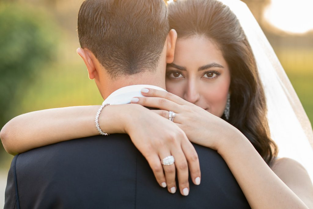 Ideas for wedding poses for couples
