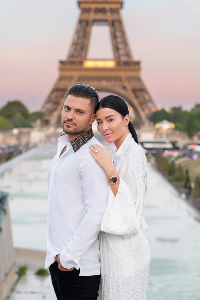 Couple poses that your parents will like taken at the Eiffel Tower Trocadero