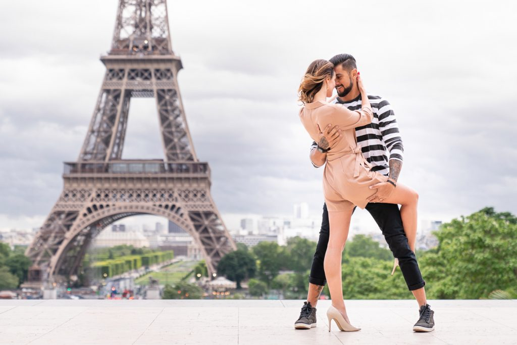 Sexy couple photoshoot at Trocadero with Eiffel Tower view