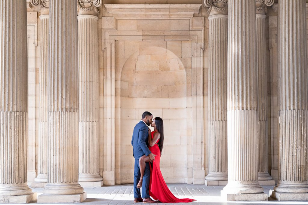 Sexy couple photoshoot at the Louvre Museum during sunrise