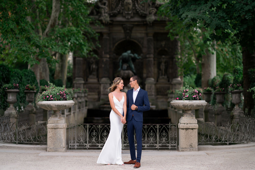 Most romantic places to kiss in Paris Luxembourg Gardens