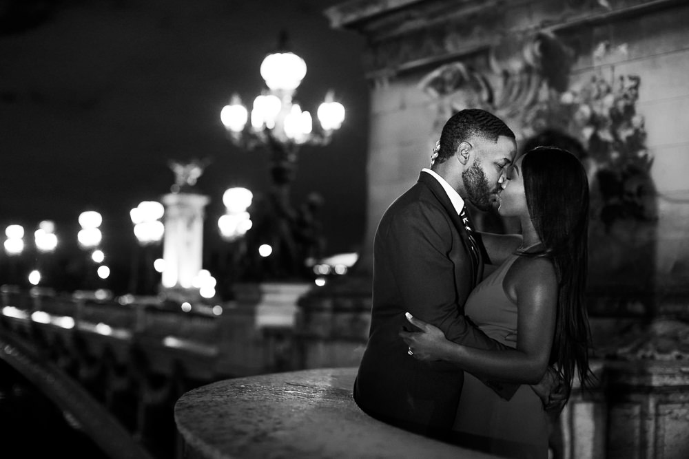 Where are the most romantic places to kiss in Paris